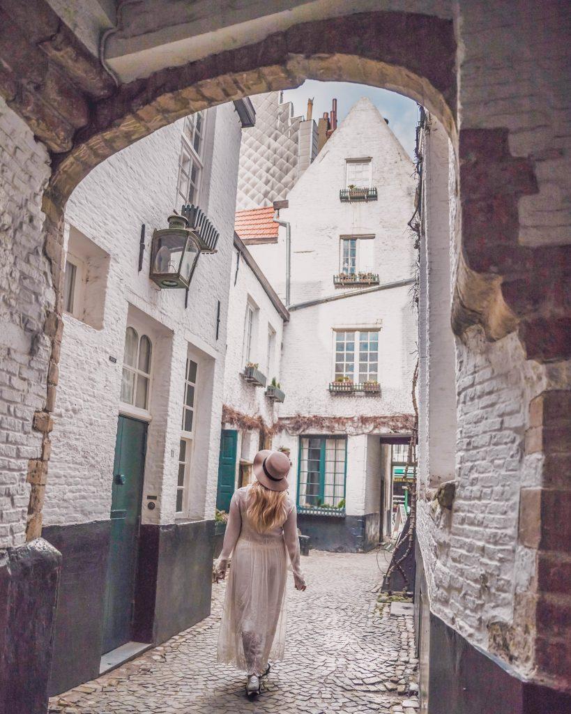 vlaeykensgang, Beautiful Places to Visit in Antwerp