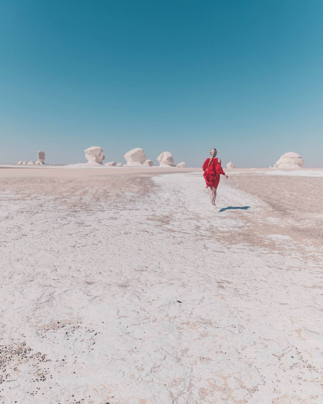 exploring the white desert in egypt