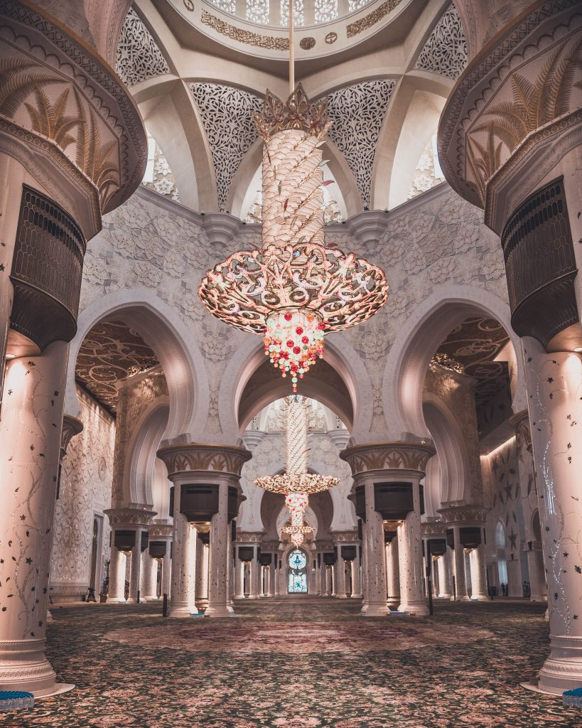 Abu Dhabi must do - Visiting the Sheikh Zayed Grand Mosque