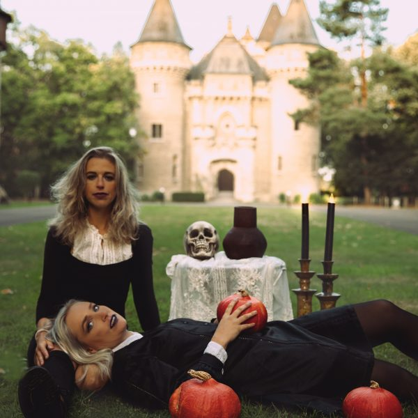 11 Creative Photoshoot Ideas For Halloween